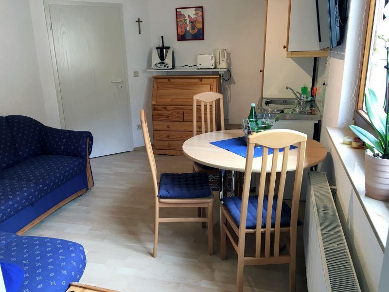 ferienwohnung iii pension sebastian zimmer und ferienwohnungen im ahrtal. Black Bedroom Furniture Sets. Home Design Ideas