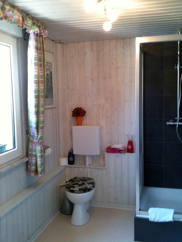 ferienwohnung ii pension sebastian zimmer und ferienwohnungen im ahrtal. Black Bedroom Furniture Sets. Home Design Ideas